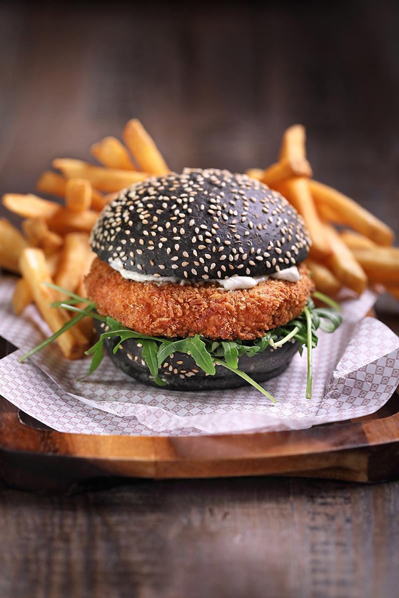 Clarke-Quay-Burger---Salmon